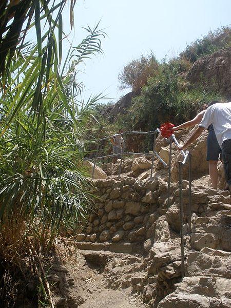 מטפסים לנחל דוד