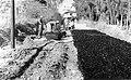PikiWiki Israel 2924 Kibutz Gan-Shmuel sk17- 137 גן-שמואל-סלילת כביש הכניסה 1952-7.jpg