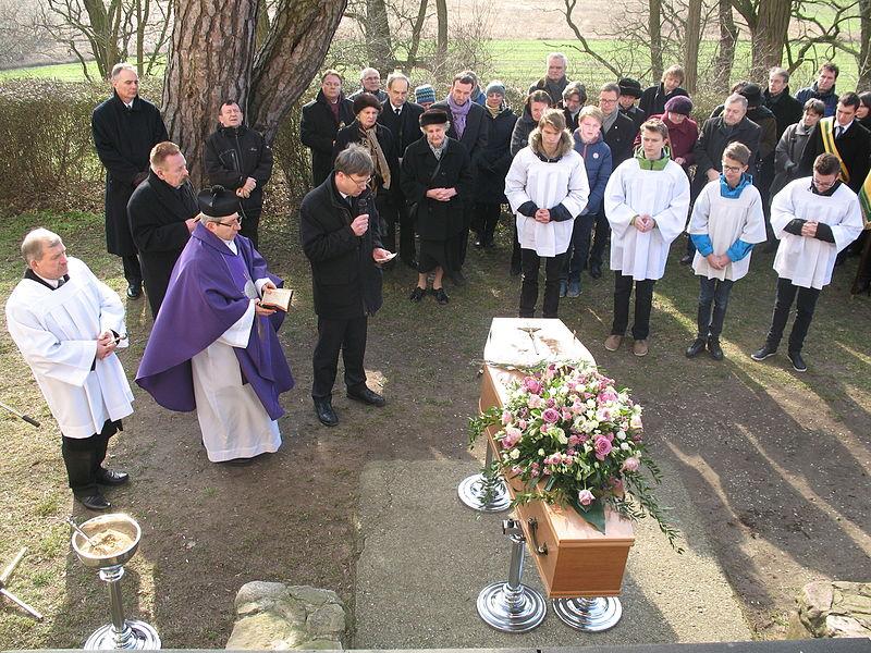 File:Pogrzeb Wandy z Raczyńskich Dembińskiej-5.JPG
