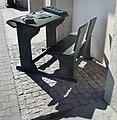 Pomnik ławki szkolnej 04.jpg