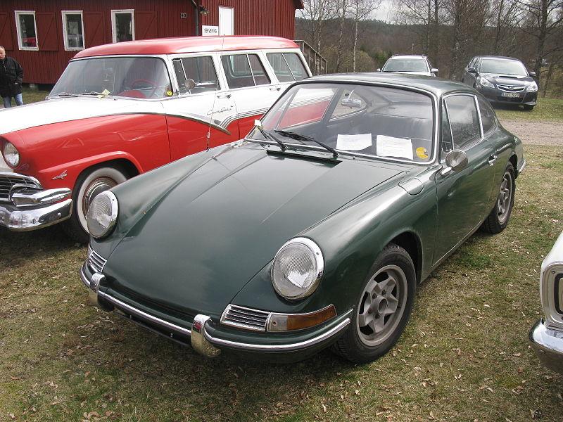 File:Porsche 911 S 1966 (13802636253).jpg