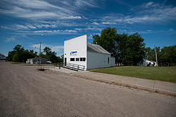 Post office in Egeland, North Dakota 7-19-2009.jpg