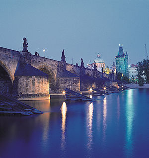Prague charles bridge night.jpg