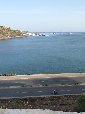 Praia Harbor - View of the port and its harbor at the Plateau where cannons once used before the 20th century