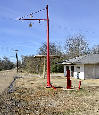 Prairie, Mississippi - Abandoned gas station in Prairie