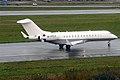 Private, M-YFLY, Bombardier Global 6000 (15834075064).jpg