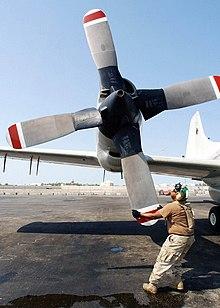 تصویر: https://upload.wikimedia.org/wikipedia/commons/thumb/5/50/Propeller_EP-3E_1500x2100.jpg/220px-Propeller_EP-3E_1500x2100.jpg