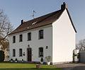 Pulheim-Brauweiler, Ehemaliges Pfarrhaus Mathildenstraße 22, Denkmal I-039.jpg