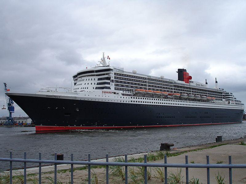 Ficheiro:Queen Mary 2 Hamburg.jpg