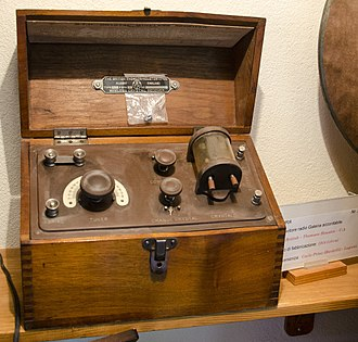 Crystal radio - Crystal radio (1915) kept at the Museum of the radio - Monteceneri (Switzerland)