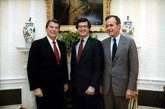 Paul Manafort - Manafort with President Ronald Reagan and Vice President George H. W. Bush, 1982
