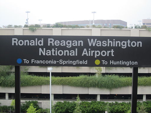 Reagan Washington Airport sign IMG 3996