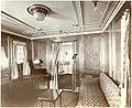 Regal suite parlor (8664007650).jpg