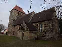 Rehfelde Dorfkirche Rehfelde-Dorf Südostansicht Februar 2017.jpg