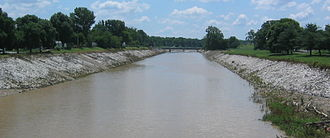 River des Peres - The southern stretch of River des Peres as seen from Lansdowne Ave. looking east