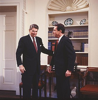 Arlen Specter - Specter with President Ronald Reagan in 1986