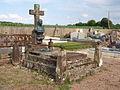 Ronchères-FR-89-cimetière-sépulture Lechien-01.jpg