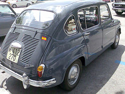 SEAT 800 4-door saloon derivation from the 600 D. Note frontal  suicide doors  & SEAT 600 - Wikipedia pezcame.com