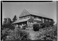 SOUTH FRONT AND EAST SIDE - Brown-Donahue House, Delano Park, Cape Elizabeth, Cumberland County, ME HABS ME,3-CAPEL,1-2.tif