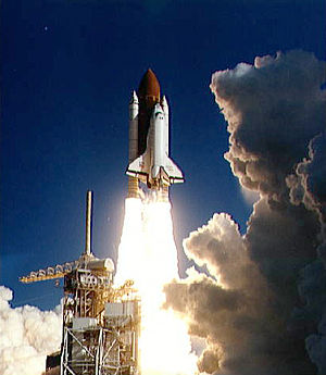 STS-42 - Discovery lifts off at the start of STS-42.