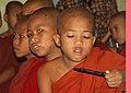 Sagaing-Aung Myae Oo-Klosterschule-18-kleine Moenche-gje.jpg