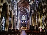 Saint-Denis Basilique Saint-Denis Innen Langhaus Ost 4.jpg
