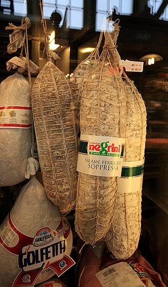 Salami - Image: Salame italiano