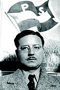 Salvador Allende joven.jpg