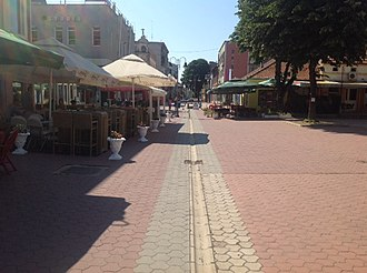 Šamac, Bosnia and Herzegovina - Image: Samac main square 1