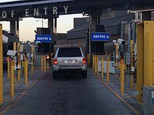 Carriles SENTRI en el cruce de San Ysidro desde Tijuana, México a San Diego, California