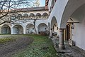Sankt Veit Wayer Strasse 19 Schloss Weyer Hof Saeulenarkaden 14122016 5627.jpg