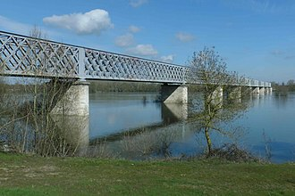 Battle of Saumur (1940) - Image: Saumur rail bridge