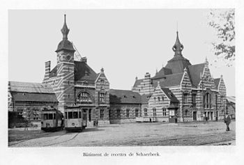 English: Picture of Schaarbeek station forecou...