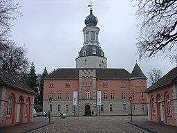 SchlossJeverHoffassade