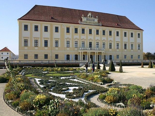Schloss hof - hrady a zámky v Rakúsku