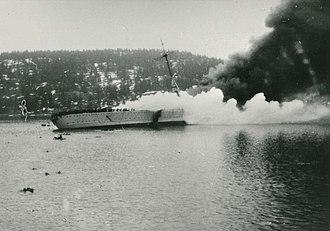 German cruiser Blücher - Blücher on fire and sinking in Drøbak Sound