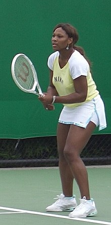 Serena Williams waiting to return serve Australian Open 2006 crop.JPG