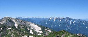 Hida Mountains - Image: Shiroumatake tateyamarenpoh