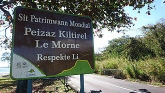 Mauritian Creole - An sign post written in Mauritian Creole.