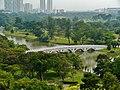 Singapore Chinesischer Garten Blick von der Pagode auf die Brücke 3.jpg