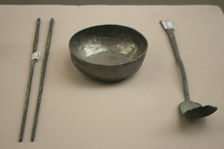 Silverware from the Song dynasty (10th – 13th centuries): Chopsticks, bowl and spoon