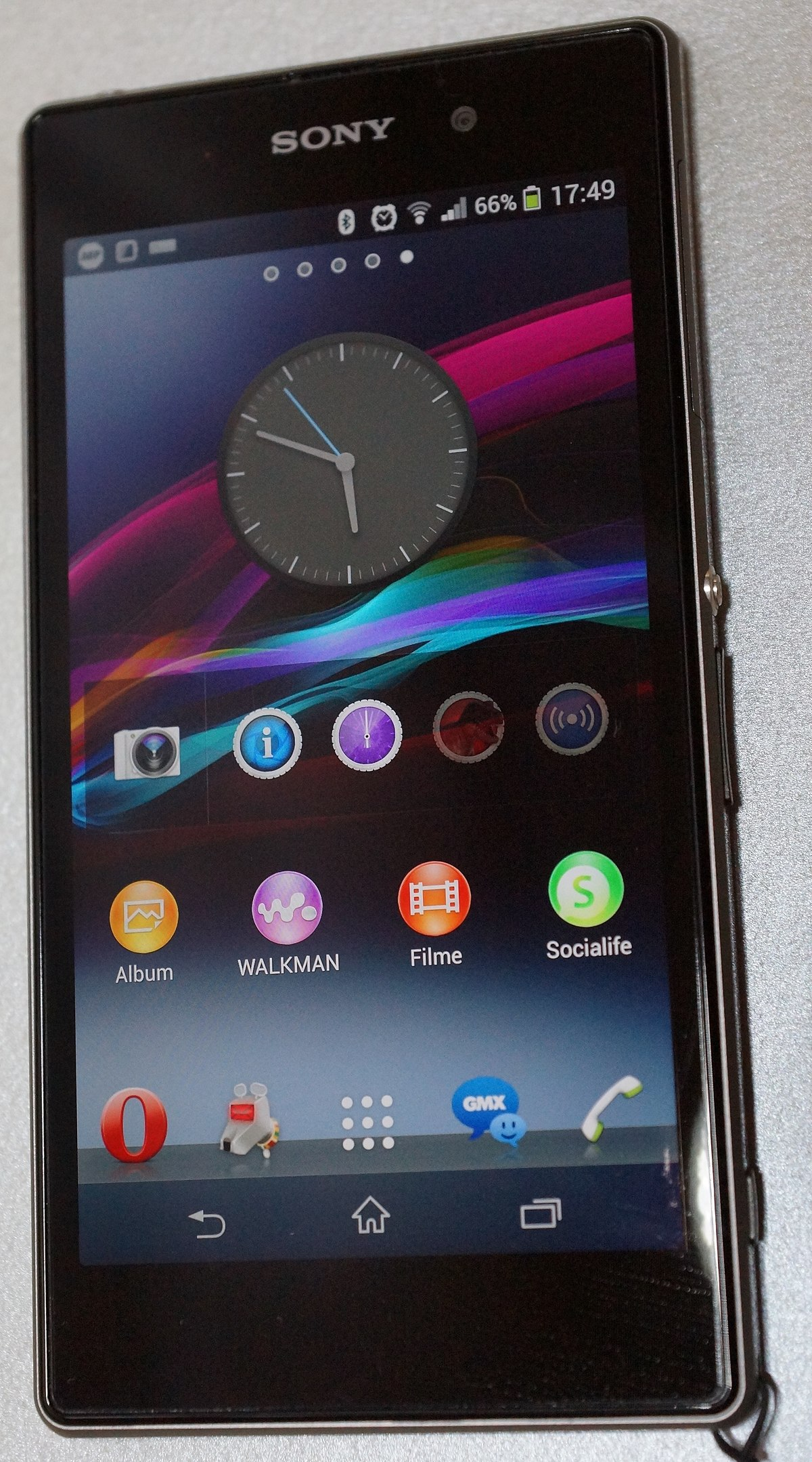 1200px Sony Xperia Z1 front view JPG