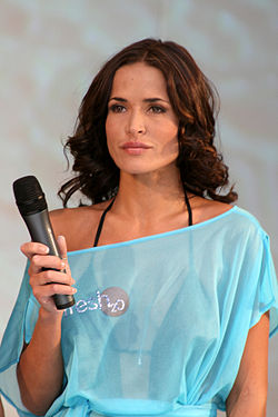 At Intimate Body and Beach fashion show, London, 30 July 2007 Sophie Anderton 30 07 07.jpg