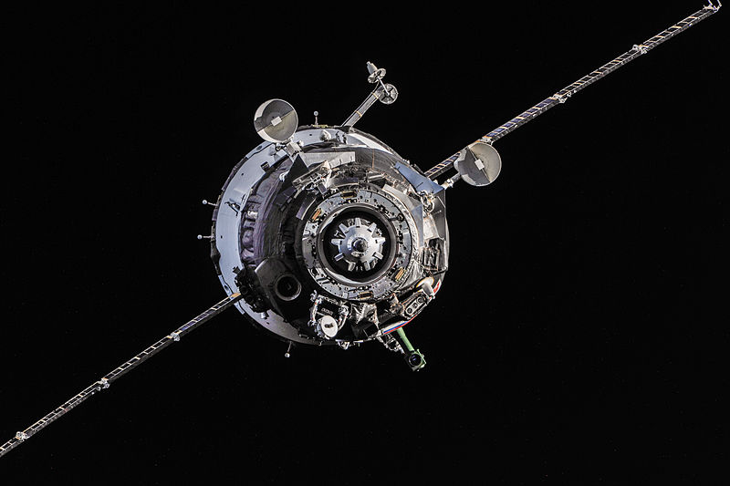 File:Soyuz TMA-10M spacecraft approaches the ISS.jpg