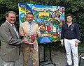 Städtepartnerschaft von Gars am Kamp mit Gars am Inn. Die beiden Bürgermeister mit Künstler Matthias Laurenz Gräff.JPG