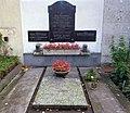 St. Barbara-Friedhof Linz - Grab der Familien Heitzmann und Wolfartsberger.jpg