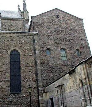 Treasury of the Basilica of Saint Servatius - Exterior treasury chapel