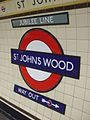 St Johns Wood stn roundel.JPG