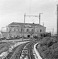 Stationsgebouw voor het treintje naar de Vesuvius bij Napels, Bestanddeelnr 191-1372.jpg