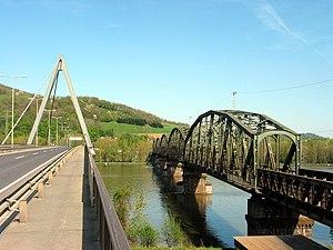 Steyregg - Image: Steyregg Donaubrucken 20050423